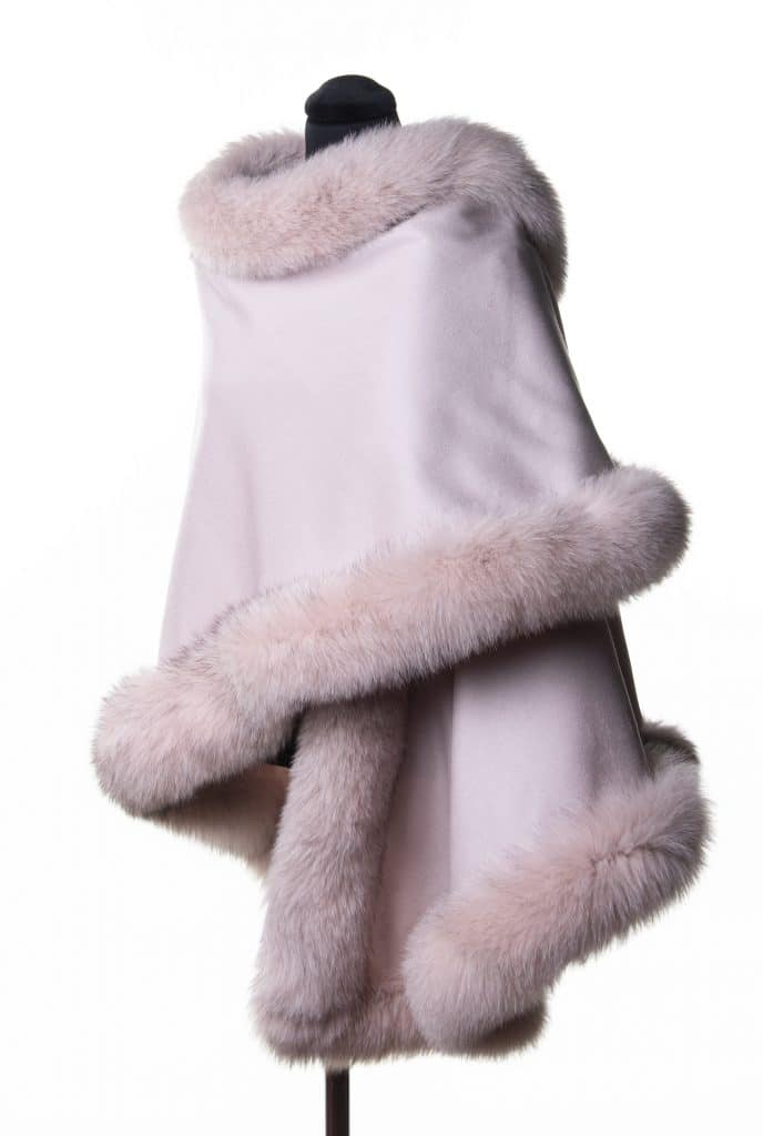 100% cashmere medium sized shawl in baby pink color with tone fox trim