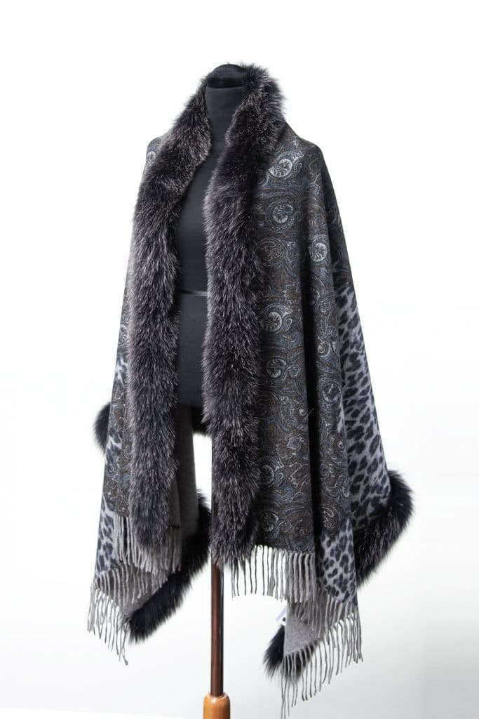 100% Cashmere Printed Shawl in New Grey and Black Snowtop Fox