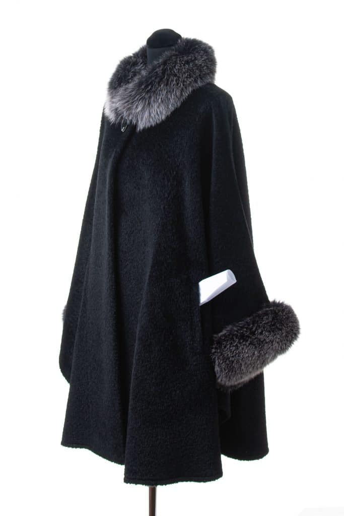 Alpaca Large Shawl with Fox Trim and Pockets